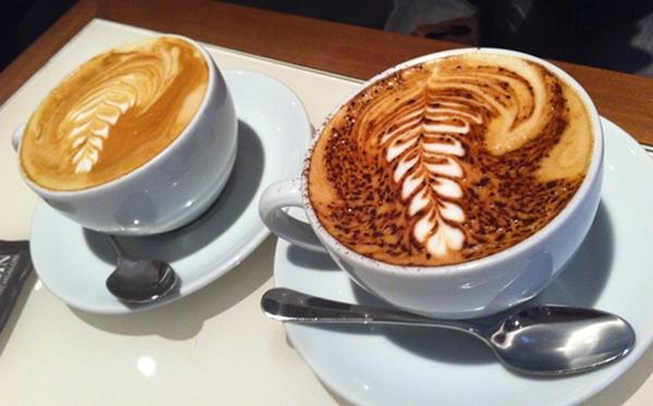 2 Cappuccino (C) Hughes Schlueter