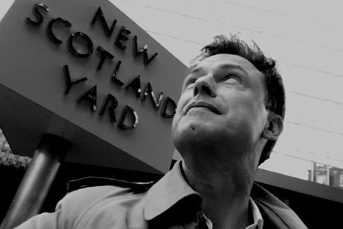 London - Scotland Yard sw 500 (C) Hughes Schlueter